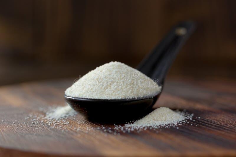 Οργανικός semolina ή κουσκούς σίτος στοκ φωτογραφία με δικαίωμα ελεύθερης χρήσης