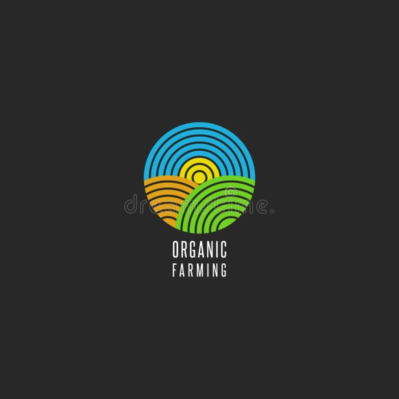 Οργανικό αγροτικό λογότυπο γύρω από μορφής το αφηρημένο γραμμών εικονίδιο τοπίων ύφους γεωργικό, ουρανός, ήλιος, τομέας, χλόη για απεικόνιση αποθεμάτων