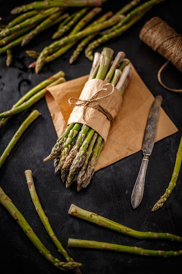 Οργανικό πράσινο aspargus στοκ φωτογραφίες