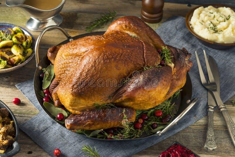 Οργανικό σπιτικό καπνισμένο γεύμα της Τουρκίας για την ημέρα των ευχαριστιών στοκ φωτογραφία