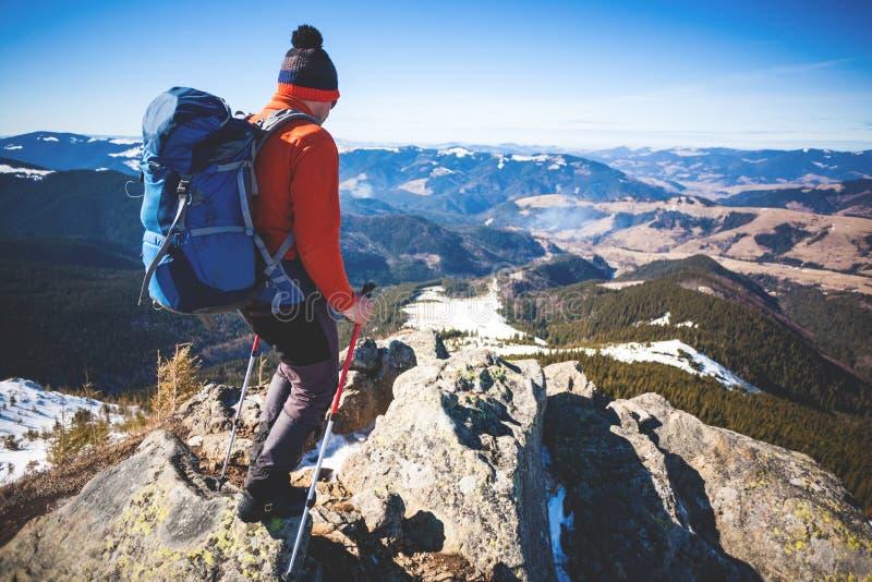 Ορειβάτης στην κορυφή στοκ εικόνες