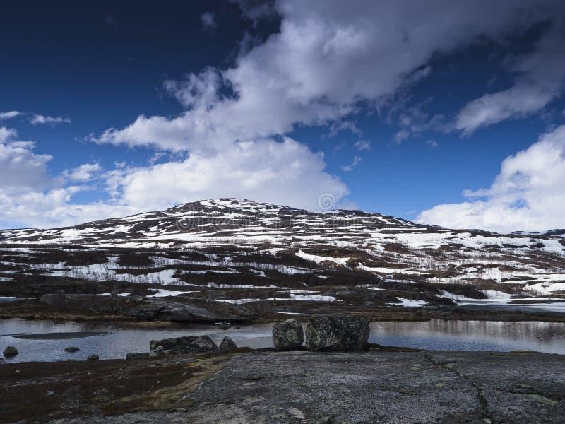 ορεινός χιονώδης τοπίων στοκ εικόνα