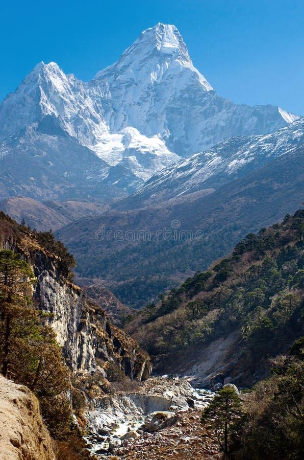 Ορεινός όγκος Dablam Ama, Νεπάλ Ιμαλάια στοκ εικόνα με δικαίωμα ελεύθερης χρήσης