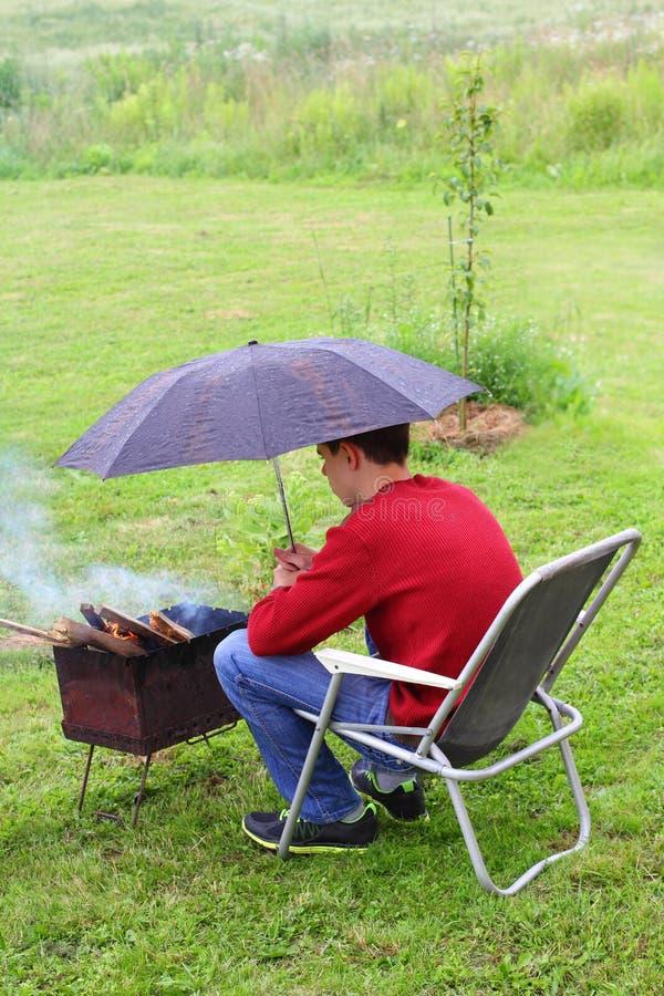 Ορειχαλκουργός προστασίας από τη βροχή στοκ φωτογραφία με δικαίωμα ελεύθερης χρήσης