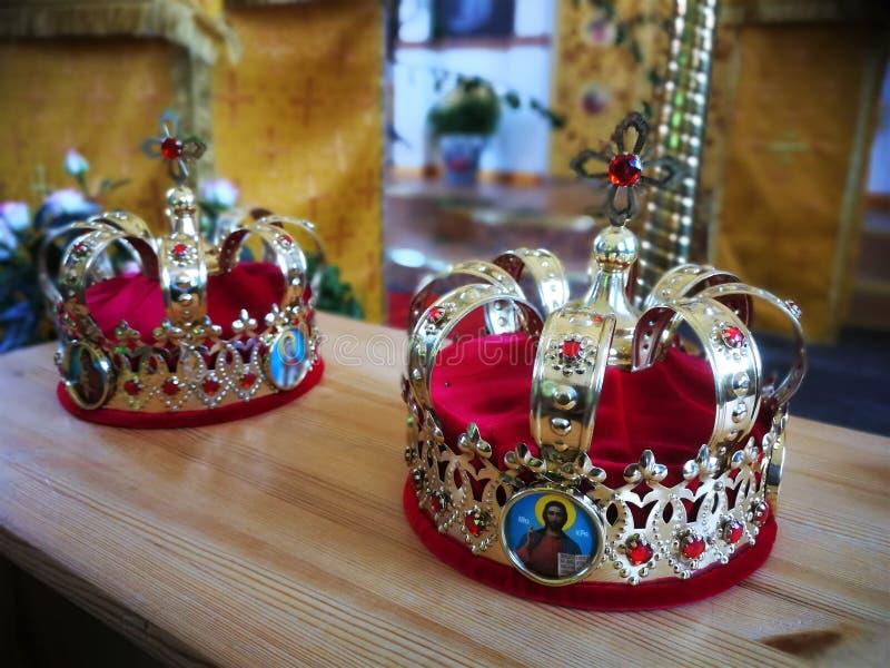 Ορθόδοξη χριστιανική εκκλησία η εκκλησία απαριθμεί τα χρυσά θρησκευτικά εργαλεία στοκ εικόνες