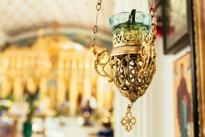 Ορθόδοξος λαμπτήρας εικονιδίων Ιδιότητες εκκλησιών Εκκλησία Lampstand Χριστιανισμός και πίστη Θρησκευτικός ναός Προσευχή και τιμω στοκ εικόνες