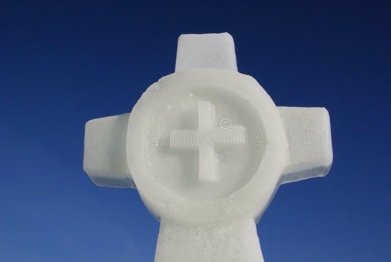 Ορθόδοξος σταυρός σε μια ομίχλη στοκ εικόνες