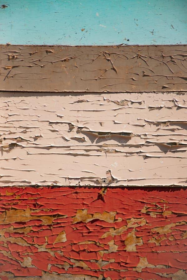Οριζόντιοι χρωματισμένοι ξύλινοι πίνακες Παλαιά χρωματισμένη αποφλοίωση χρωμάτων ` s στοκ φωτογραφία με δικαίωμα ελεύθερης χρήσης