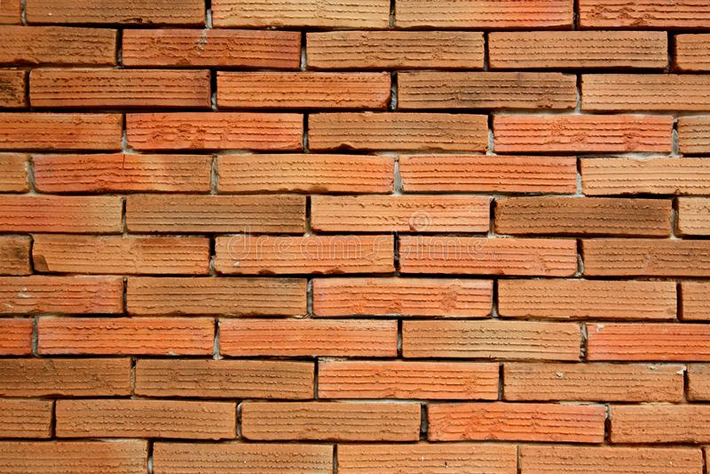 οριζόντιος κόκκινος καλυμμένος τοίχος σύστασης τούβλου ανασκόπησης παλαιός τοίχος σύστασης τούβλου στοκ εικόνα