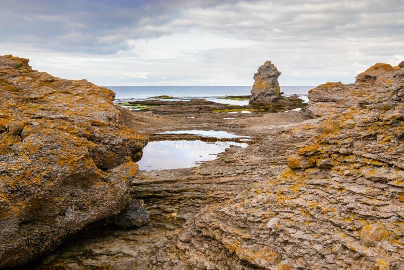 Οριζόντιος του εικονικού τοπίου rauk στη Gotland στοκ εικόνες