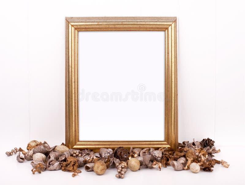 Ορισμένη φωτογραφία αποθεμάτων Χριστουγέννων πρότυπο με το χρυσό πλαίσιο στοκ εικόνες
