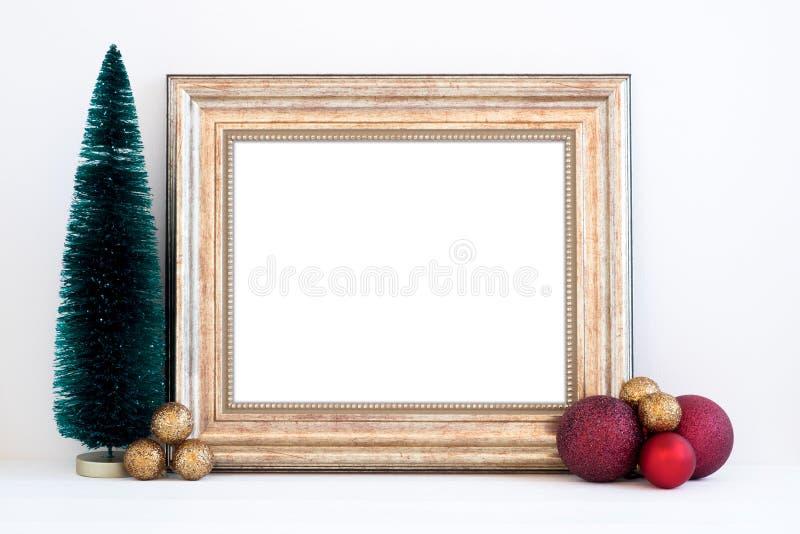 Ορισμένη φωτογραφία αποθεμάτων Χριστουγέννων πρότυπο με το χρυσό πλαίσιο στοκ φωτογραφίες με δικαίωμα ελεύθερης χρήσης