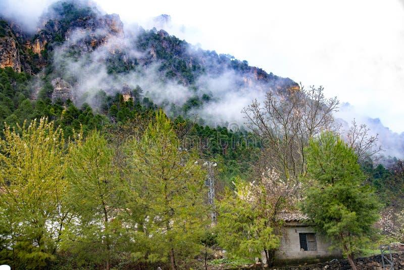 Οροσειρά del Segura Albacete, Espain Μικρό, ζωηρόχρωμο και γραφικό χωριό στην όμορφη οροσειρά del Segura, Albacete, Ισπανία στοκ εικόνες