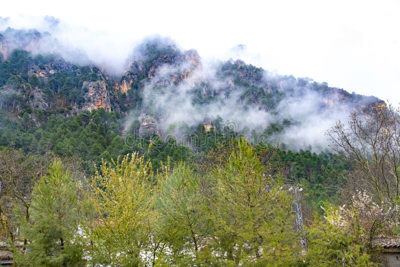 Οροσειρά del Segura Albacete, Espain Μικρό, ζωηρόχρωμο και γραφικό χωριό στην όμορφη οροσειρά del Segura, Albacete, Ισπανία στοκ φωτογραφίες
