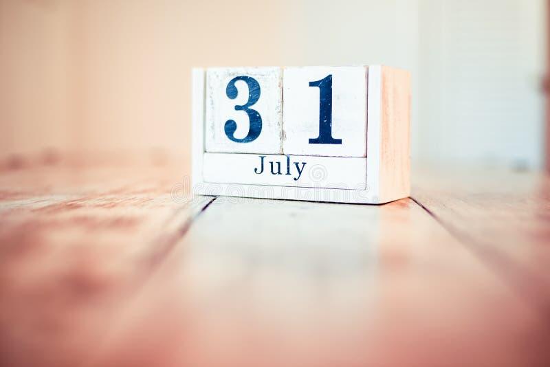 31$ος του Ιουλίου - 31 Ιουλίου - εθνική ημέρα αβοκάντο Εθνική ημέρα κέικ σμέουρων Εθνική ημέρα Mutt στοκ φωτογραφίες με δικαίωμα ελεύθερης χρήσης