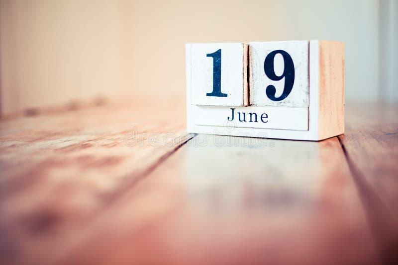 19ος του Ιουνίου - 19 Ιουνίου - διεθνής ημέρα για την αποβολή της σεξουαλικής βίας σε σύγκρουση - ημέρα του πατέρα στοκ εικόνα με δικαίωμα ελεύθερης χρήσης