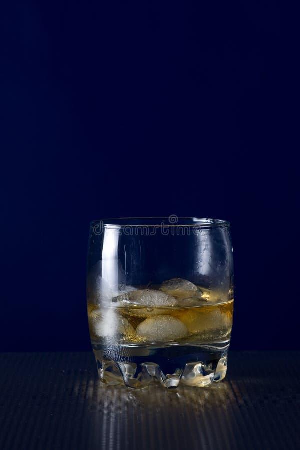 ουίσκυ πάγου γυαλιού στοκ εικόνες με δικαίωμα ελεύθερης χρήσης