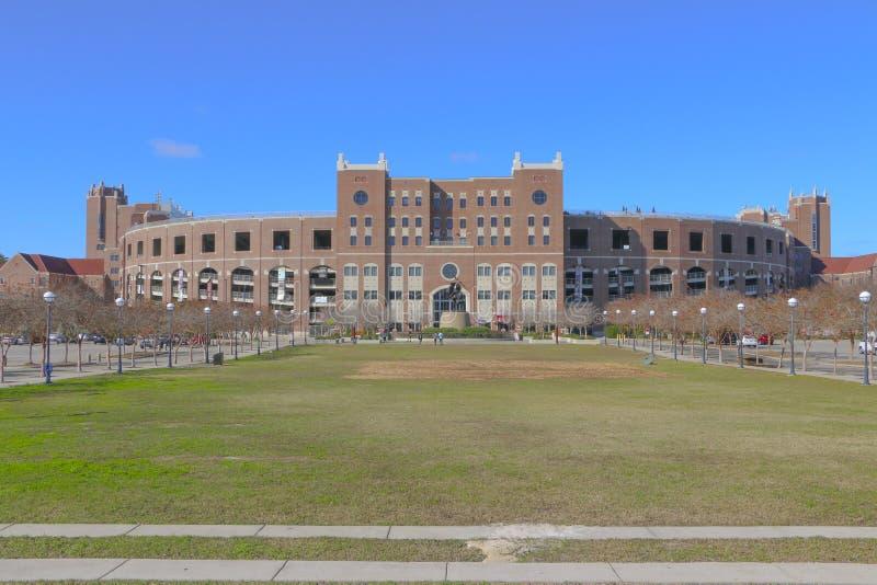 Ουίλιαμς Plaza σε Langford πράσινο στην κρατική πανεπιστημιούπολη της Φλώριδας στοκ εικόνα