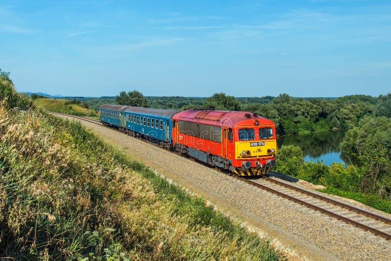 Ουγγρικό τραίνο passanger στοκ εικόνες