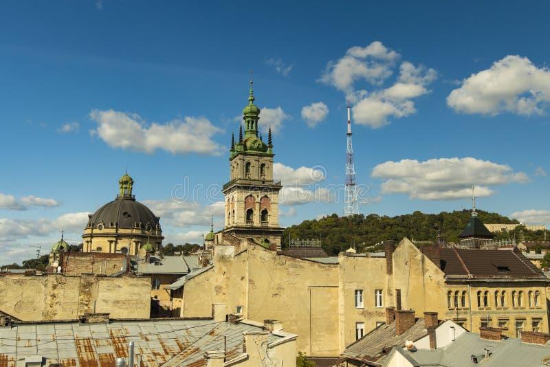 Ουκρανικός τουριστικός προορισμός ορόσημο βλέπει γκέτο σε κτίρια σκυροδέματος έξω τοίχοι καθεδρικός θόλος και πύργος μεσαιωνικός στοκ φωτογραφίες με δικαίωμα ελεύθερης χρήσης