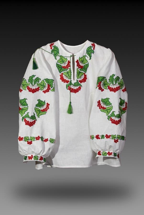 Ουκρανικό εθνικό πουκάμισο που κεντιέται ομαλά στοκ εικόνες