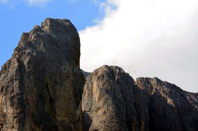 Download ΟΥΝΕΣΚΟ Dolomiti περασμάτων Gardena Στοκ Εικόνα - εικόνα από σύννεφο, διακοπές: 62720507
