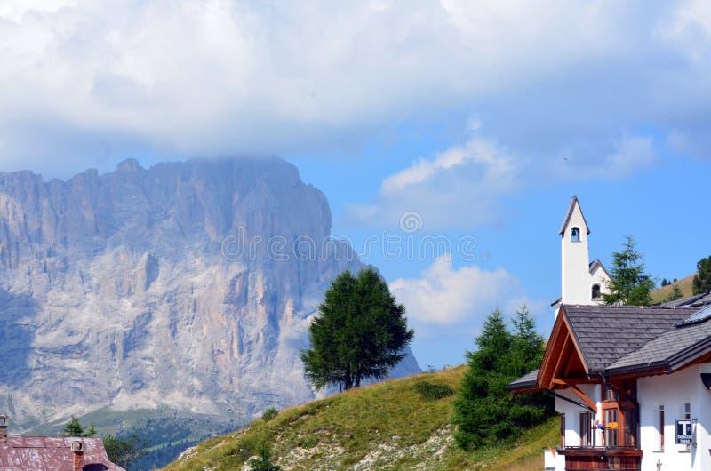Download ΟΥΝΕΣΚΟ Dolomiti περασμάτων Gardena Στοκ Εικόνες - εικόνα από αιχμή, αλπικό: 62720528