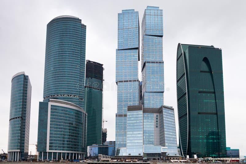 Ουρανοξύστες γυαλιού εμπορικών κέντρων στοκ εικόνες