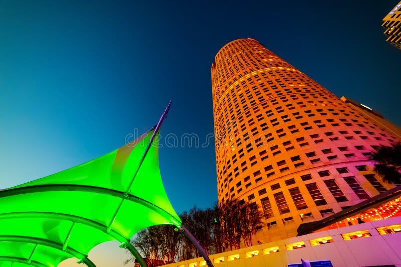 Ουρανοξύστες και πολύχρωμο καταφύγιο στην Τάμπα στοκ φωτογραφίες με δικαίωμα ελεύθερης χρήσης