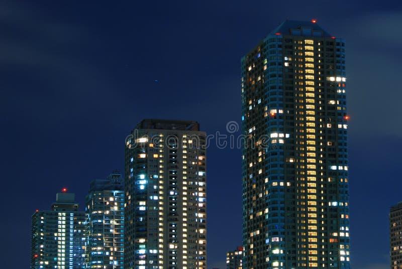 ουρανοξύστες νύχτας στοκ εικόνες