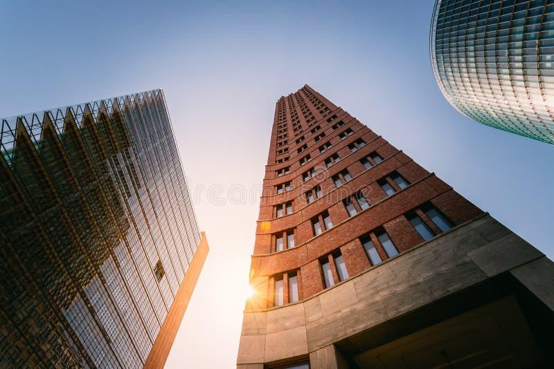 Ουρανοξύστες στην πλατεία Postsdamer στο Βερολίνο, που εξισώνει το τοπίο στοκ φωτογραφίες