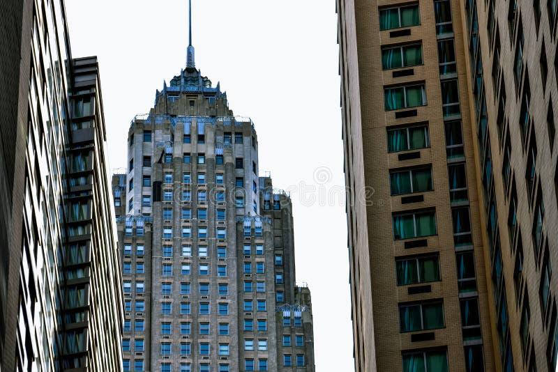 Ουρανοξύστες της πόλης της Νέας Υόρκης, από την οδό r στοκ εικόνα