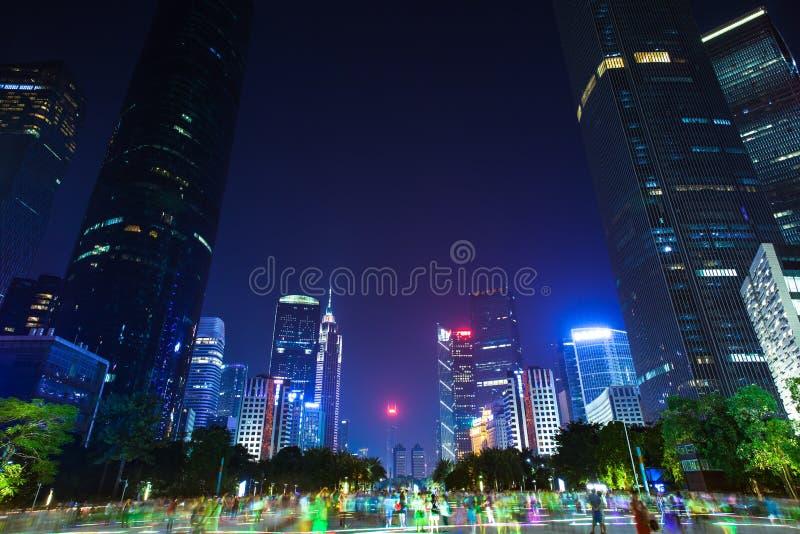Ουρανοξύστες Guangzhou στο σούρουπο, Κίνα στοκ εικόνες