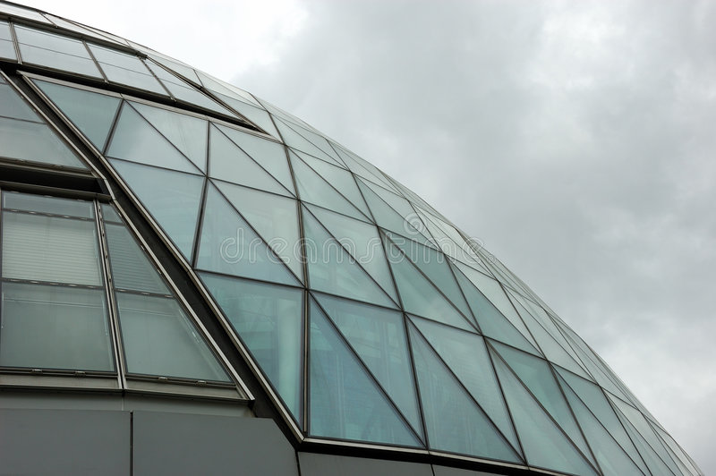ουρανοξύστης αντανακλά&sigma στοκ φωτογραφία με δικαίωμα ελεύθερης χρήσης