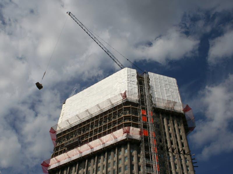 ουρανοξύστης αποκατάστ&alp στοκ εικόνες με δικαίωμα ελεύθερης χρήσης