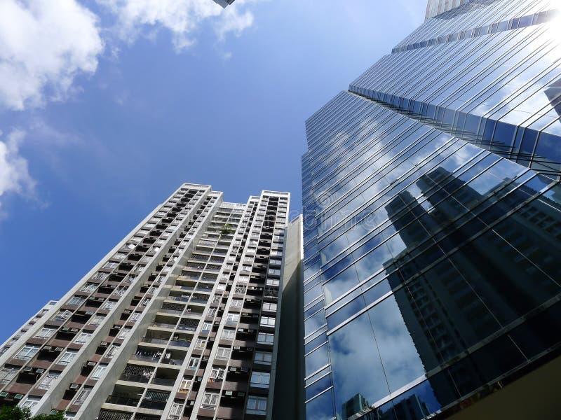 Ουρανοξύστης και κατοικία στοκ εικόνες