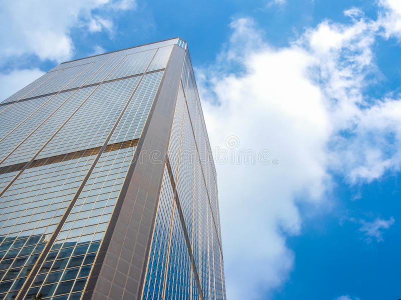 Download Ουρανοξύστης και ουρανός στοκ εικόνα. εικόνα από περιοχή - 62721331