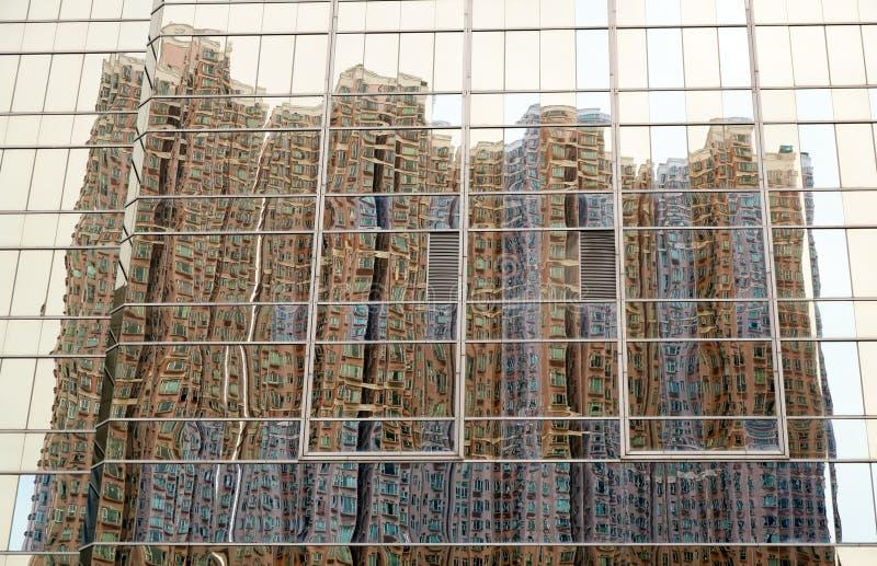 Ουρανοξύστης στον ουρανοξύστη στοκ φωτογραφίες