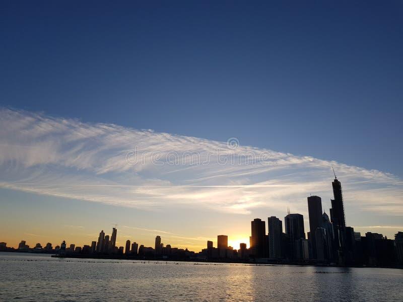 Ουρανός άποψης του Σικάγου κεντρικός από το Μίτσιγκαν στοκ φωτογραφία με δικαίωμα ελεύθερης χρήσης