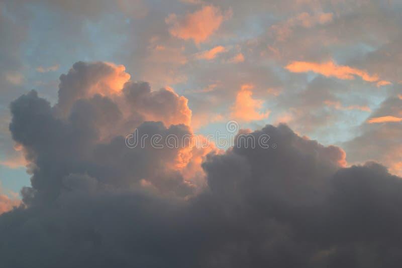 Ουρανός αίματος στοκ φωτογραφία με δικαίωμα ελεύθερης χρήσης