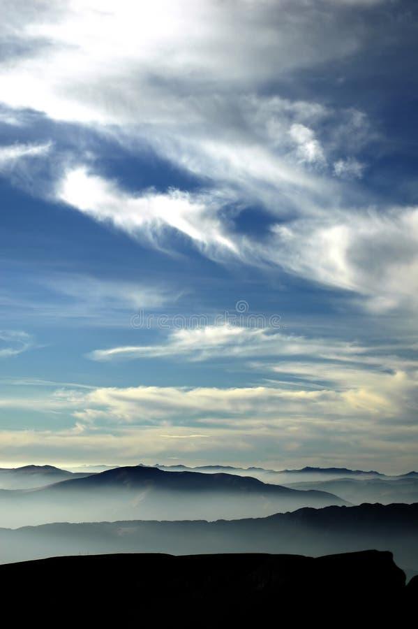ουρανός βουνών στοκ φωτογραφίες