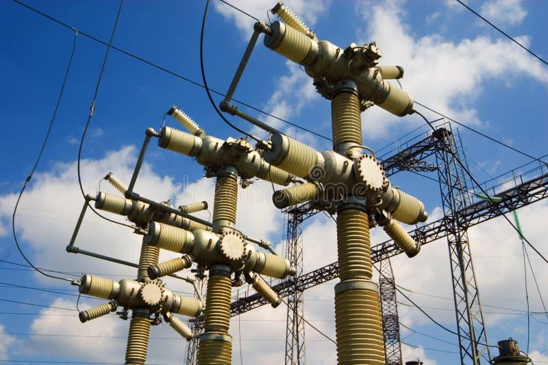 Download ουρανός ηλεκτρικής ενέρ&gamm Στοκ Εικόνα - εικόνα από γραμμές, εξοπλισμός: 1549199