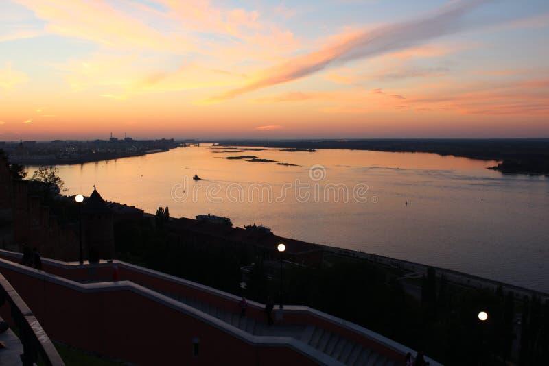 Ουρανός ηλιοβασιλέματος στο Strelka στοκ φωτογραφία με δικαίωμα ελεύθερης χρήσης