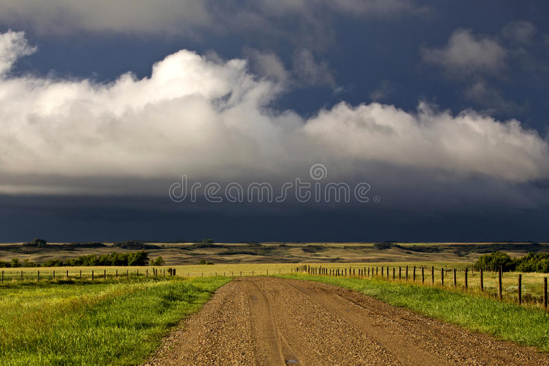 Ουρανός λιβαδιών σύννεφων θύελλας στοκ εικόνες με δικαίωμα ελεύθερης χρήσης