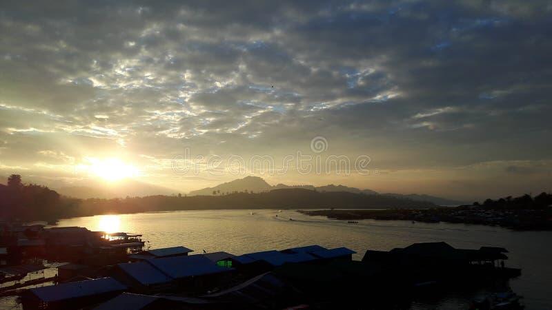 ουρανός και λίμνη στοκ εικόνες