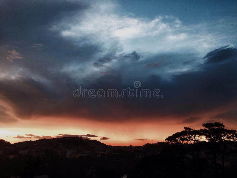 Ουρανός και κόλαση στοκ εικόνες