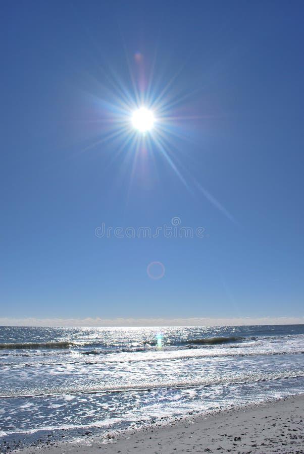 ουρανός μεσημεριού στοκ φωτογραφία με δικαίωμα ελεύθερης χρήσης