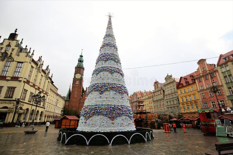 ουρανός santa του Klaus παγετού Χριστουγέννων καρτών τσαντών Πολωνία wroclaw όμορφο χριστουγεννιάτικο δέντρο στοκ εικόνες με δικαίωμα ελεύθερης χρήσης