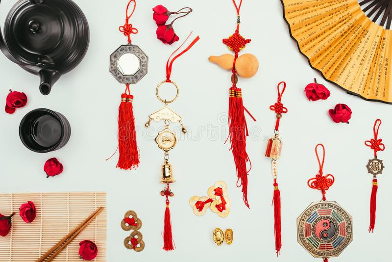Ουσία παραδοσιακού κινέζικου που απομονώνεται στην άσπρη, κινεζική νέα έννοια έτους στοκ εικόνες