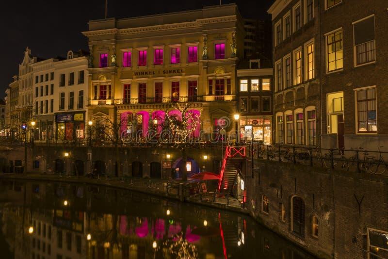 Ουτρέχτη τη νύχτα Winkel van Sinkel στοκ φωτογραφία με δικαίωμα ελεύθερης χρήσης
